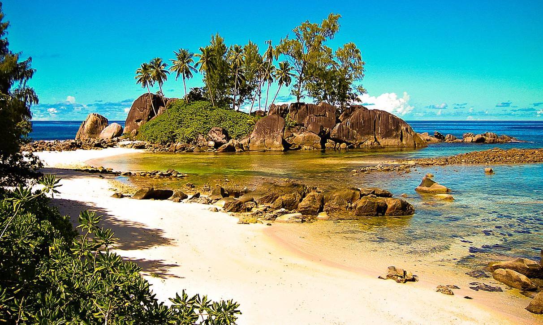 Biến đổi khí hậu và mực nước biển dâng cao sẽ khiến hòn đảo biến mất.