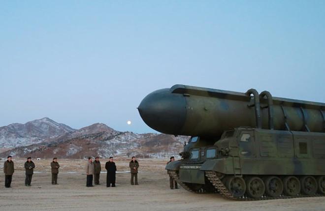 Tên lửa đạn đạo tầm trung Pukguksong-2.