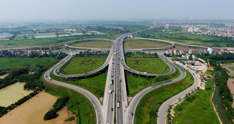 Đường tại đây có thiết kế rộng 60m, vận tốc xe chạy 80km/h