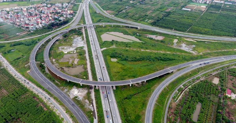 Nút giao Thanh Trì và cao tốc Hà Nội - Hải Phòng chỉ cách nút giao Thanh Trì - Quốc lộ 5 hơn 1km.