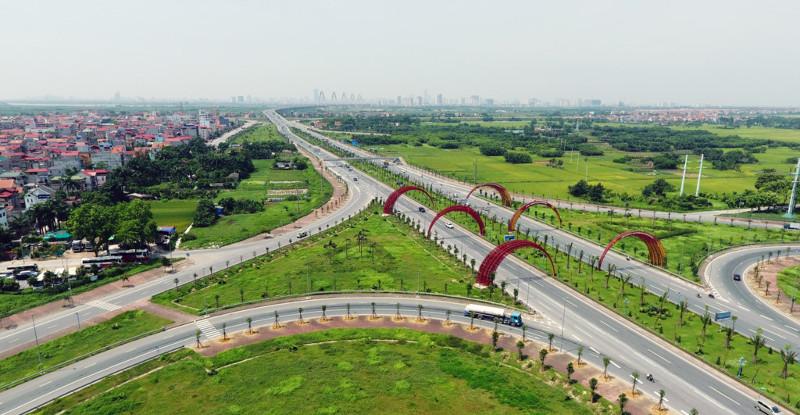 Với 6 làn xe chạy, tốc độ tối đa 80km/h, đường Võ Nguyên Giáp khởi công từ tháng 8/2012
