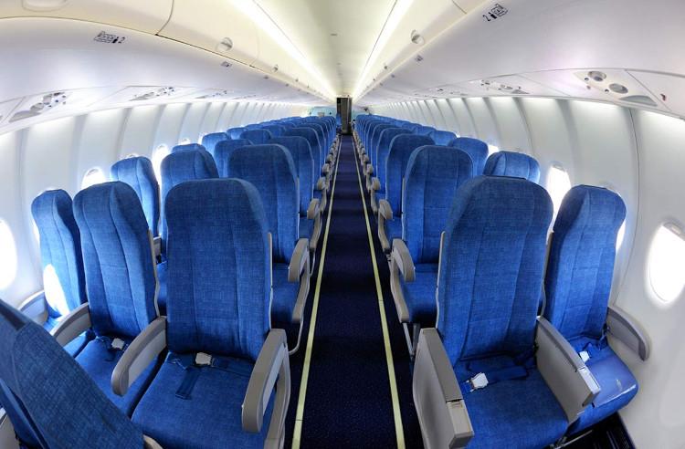 Bạn có nhận ra đệm bọc ghế, thảm trên máy bay… phần lớn đều là màu xanh không?