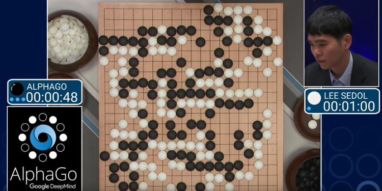 AlphaGo có khả năng tự học, ghi nhớ các bước đi của đối thủ.