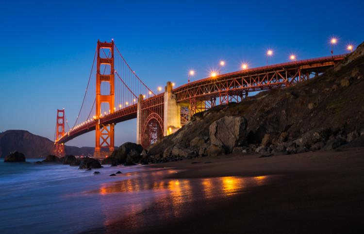 Những sợi cáp nâng cầu Cổng Vàng là thứ duy nhất chưa từng thay đổi từ năm 1937 tới nay.