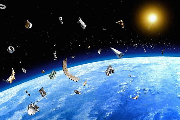 Những mảnh vỡ này gây thiệt hại nghiêm trọng cho Trạm không gian Quốc tế.