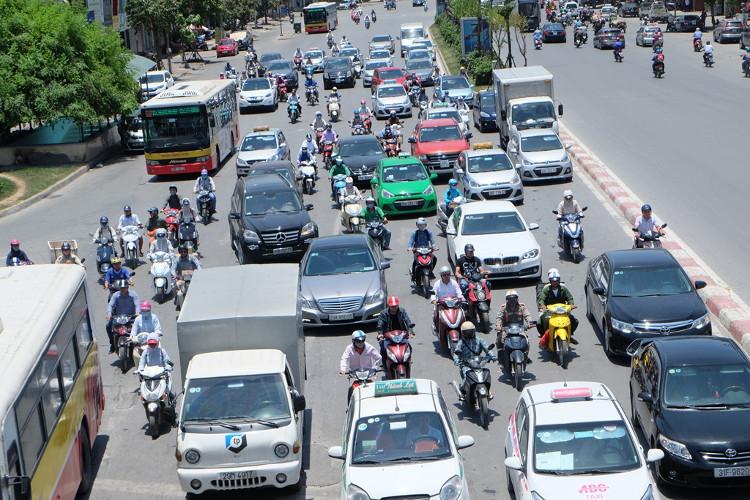 Toàn Việt Nam nằm trong rìa của vùng thấp đấy nên nắng nóng rộng khắp toàn bộ Bắc bộ, Bắc Trung bộ.