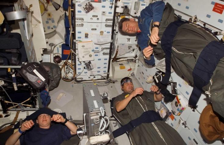 Giấc ngủ trên trạm ISS của các phi hành gia.