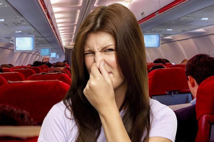 Chú ý với mùi cơ thể nếu không bạn có nguy cơ bị đuổi ra khỏi chuyến bay của mình.