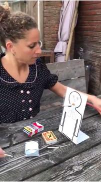 Thí nghiệm cho robot hút thuốc.