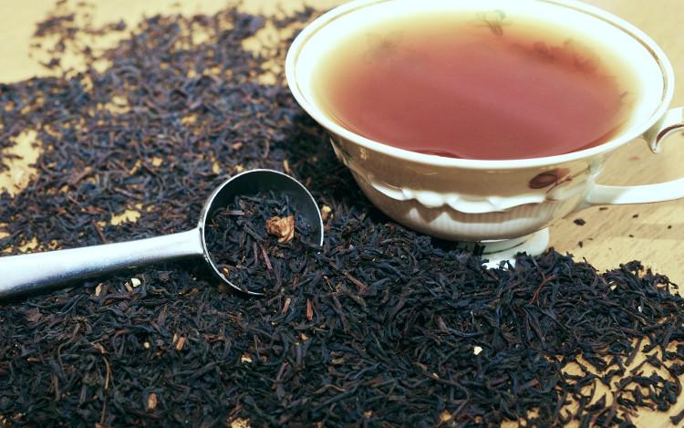 Trà Assamica là loại trà đen đậm hơn so với trà xanh.