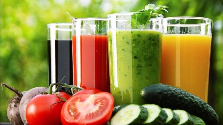 Nước ép trái cây vô tình loại bỏ những chất xơ bổ dưỡng có trong trái cây, rau củ.