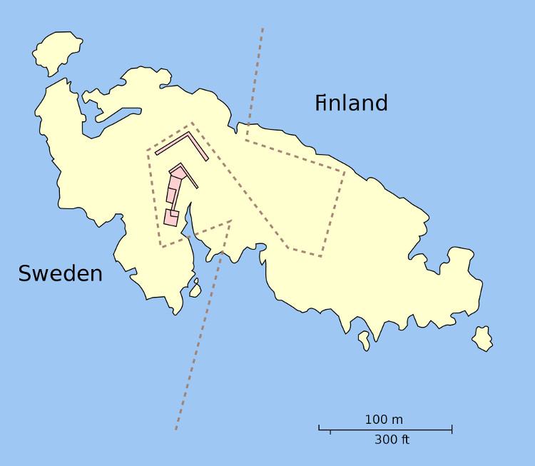 Hòn đảo nhỏ ở biển Baltic được chia 2 múi giờ theo ranh giới quốc gia.