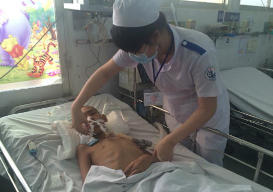 Bệnh nhi điều trị viêm não tại Khoa Nhiễm BV Nhi đồng 1 (TP HCM).