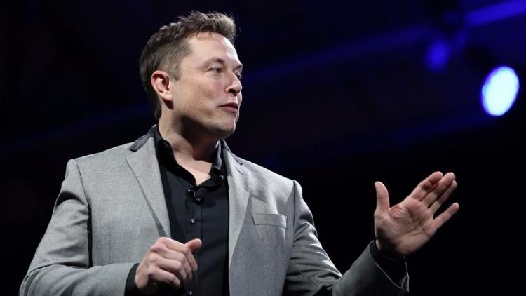Elon Musk luôn là một người ưa suy nghĩ và yêu sáng tạo.