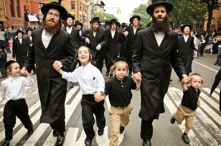 Đạo Do Thái cũng khá khác biệt so với nhiều tôn giáo khác khi không ghi lại quá nhiều những điều răn cứng nhắc.
