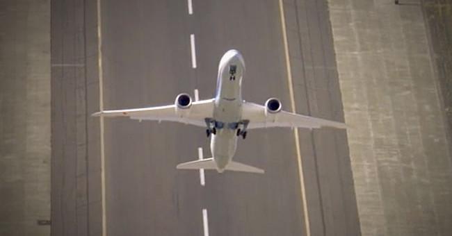 Máy bay vẫn có thể tiếp đất an toàn dù chết động cơ
