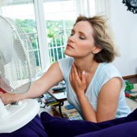 Tại sao nhiệt độ cơ thể ta là 37 độ C, nhưng ta vẫn thấy nóng khi nhiệt độ ngoài trời cũng là 37 độ C?