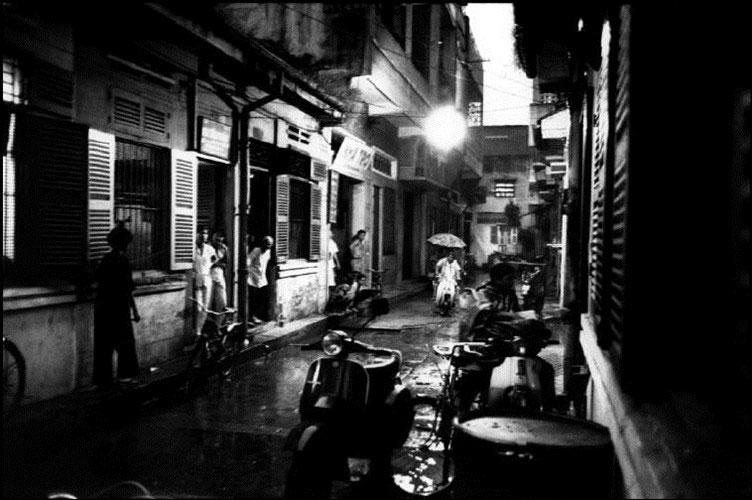 Trong một ngõ hẻm của đường Lê Quang Sung.