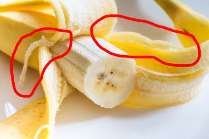 Những sợi vàng vàng bên trong quả chuối đáng ghét.