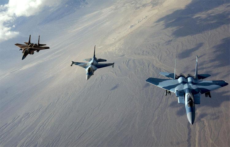 Đội hình bay 3 chiến cơ.