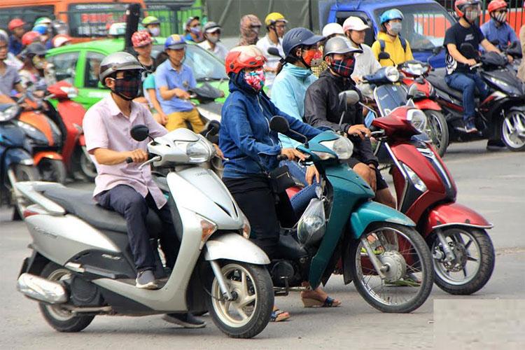 Hôm nay Hà Nội nắng nóng có nơi trên 35 độ.