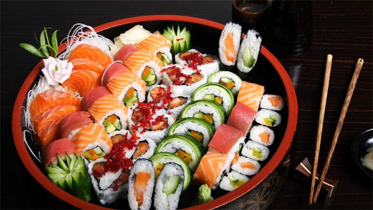 Món sushi từ cá giúp người Nhật sống lâu.