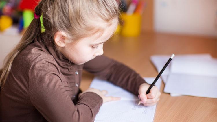 Ngoài ra học sinh cho biết, họ thích sử dụng tay phải cho các bài kiểm tra ít vận dụng tay nghề hơn trong số tất cả các thử nghiệm.