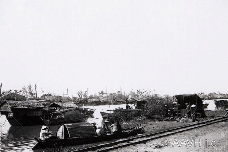 Tuyến đường xe điện Sài Gòn - Chợ Lớn chạy ven kênh Tàu Hủ, 1904.