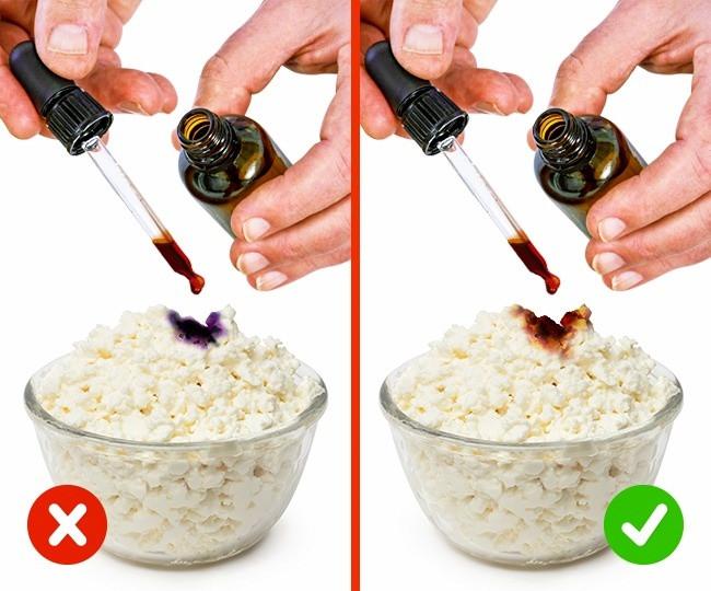 Để biết được bạn mua phô mai có chứa bột hay không, chỉ cần nhỏ một giọt iodine (i ốt) vào.
