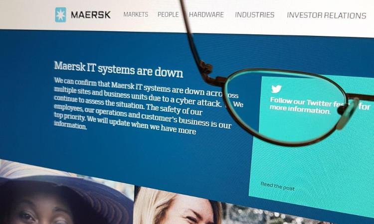 Công ty vận tải Maersk bị tấn công mạng.