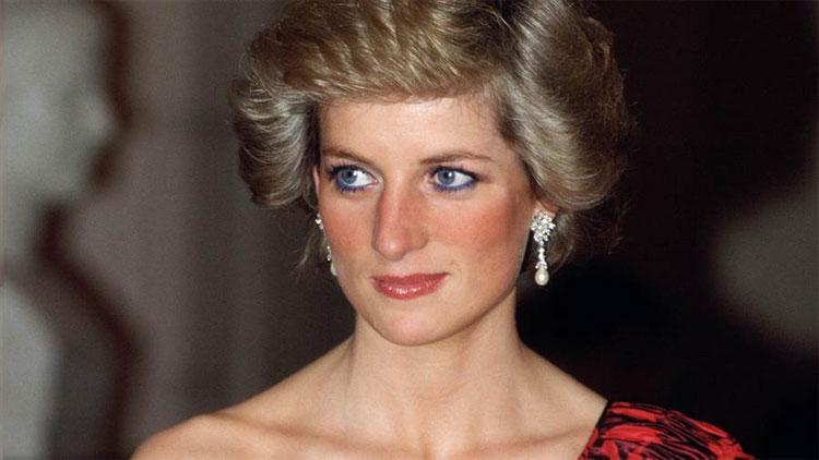 Nhiều sự kiện trong cuộc đời Diana được cho là yếu tố thúc đẩy chứng bệnh ăn - ói.