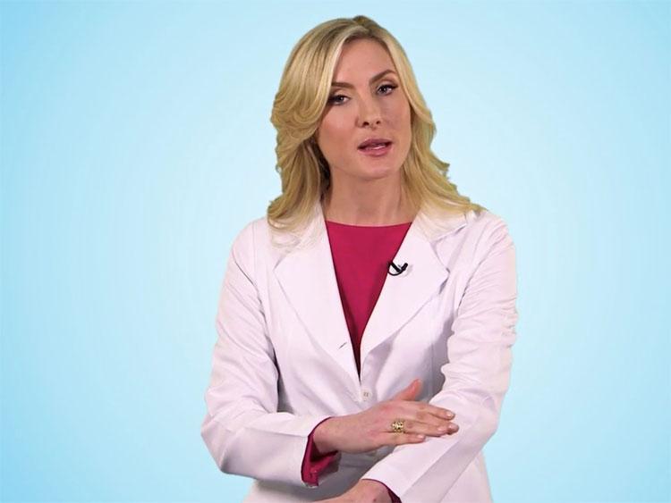 Bác sĩ Erin Gilbert.