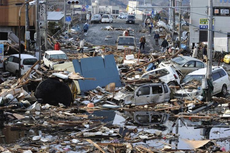 Cảnh hoang tàn sau động đất tại thành phố Kesennuma, tỉnh Miyagi, Nhật Bản.