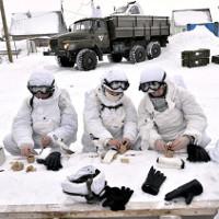 Trang bị giúp lính Nga chống chọi giá lạnh Bắc Cực