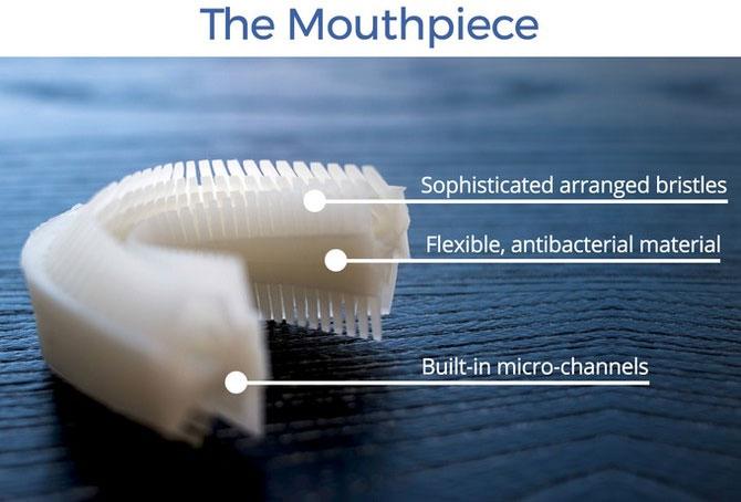 Amabrush sử dụng kem đánh răng dạng lỏng.