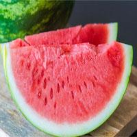 Ai không nên ăn dưa hấu?