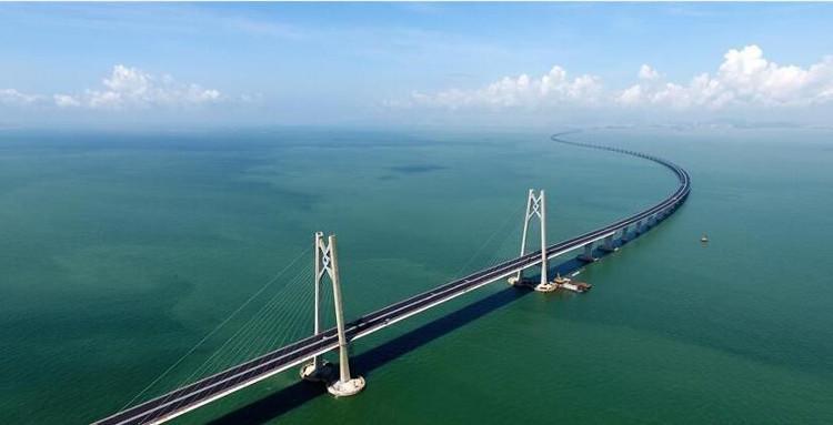 Cầu vượt biển nối liền Hong Kong, Châu Hải và Macao.