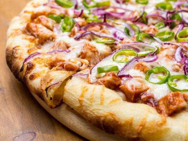 Không phải loại rau củ nào trong pizza cũng lành mạnh.