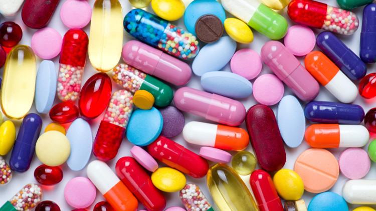 Thuốc kháng sinh là những chất thiên nhiên được gây cấy từ vi sinh vật, hoặc được tổng hợp hay bán tổng hợp hóa học.