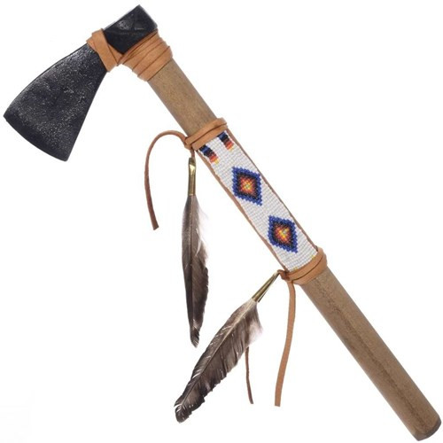 Khi người Châu Âu đến Bắc Mỹ, họ đã đem những đầu rìu bằng kim loại để trao đổi với các hàng hóa của người da đỏ