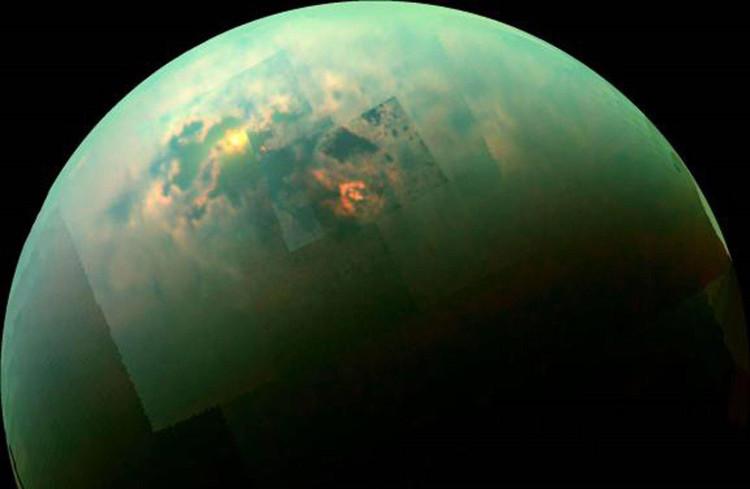 Titan - Mặt trăng của sao Thổ.