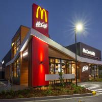 """Đây là lý do có rất ít khách hàng say rượu """"quậy"""" ở McDonald Úc"""