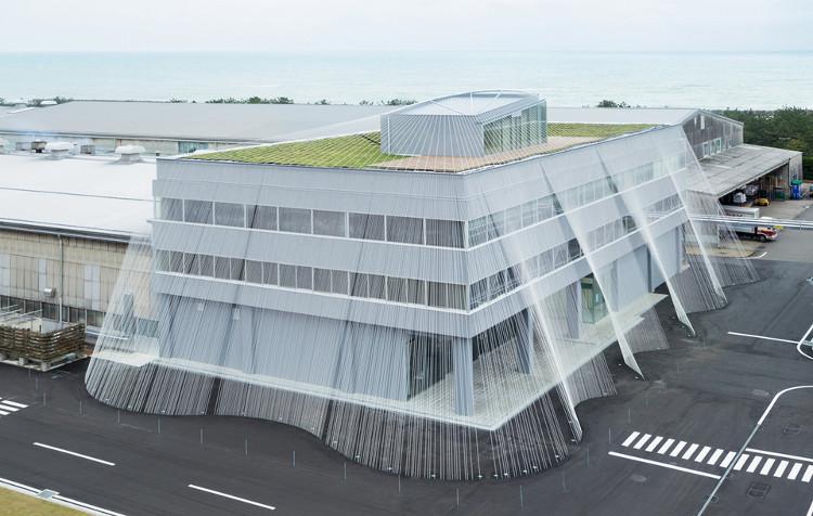Mạng lưới sợi dây carbon là phương pháp chống động đất mới ở Nhật Bản.