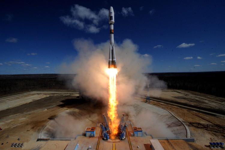 """Tên lửa đẩy """"Liên hợp - 2.1a"""" của Nga được phóng lên quỹ đạo hồi tháng 4/2016."""