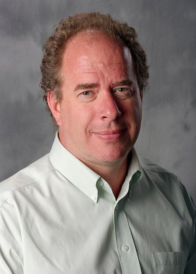 Tác giả của hai bài nghiên cứu - Peter Noble.