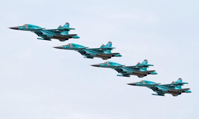 Máy bay Su-34 bay theo đội hình chiến thuật.