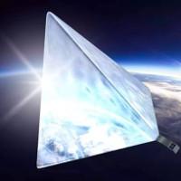 """Lo ngại vệ tinh """"ngôi sao"""" của Nga tỏa sáng bất thường"""