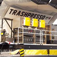 """Cỗ máy """"khủng"""" biến rác thải thành gạch lát nền đầu tiên trên thế giới"""