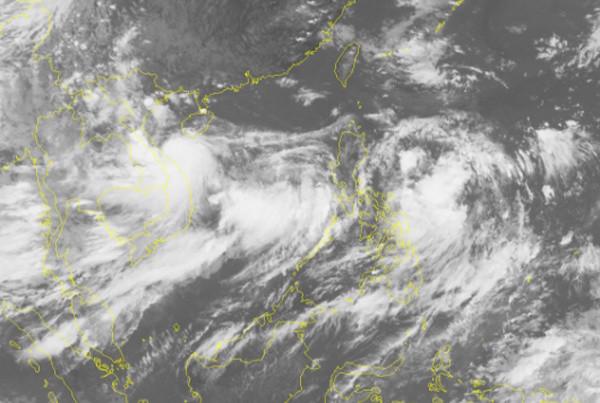 Ảnh vệ tinh cơn bão Sonca lúc 15h50.