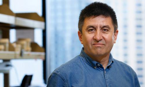 Shoukhrat Mitalipov là nhà khoa học đầu tiên ở Mỹ chỉnh sửa ADN trong phôi người.